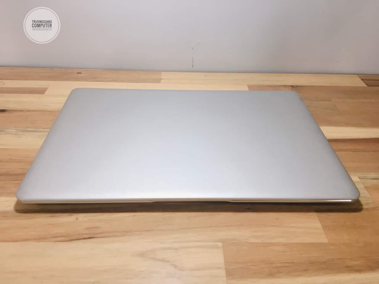 Thiết kế Laptop Notebook Masstel L133 mỏng nhẹ