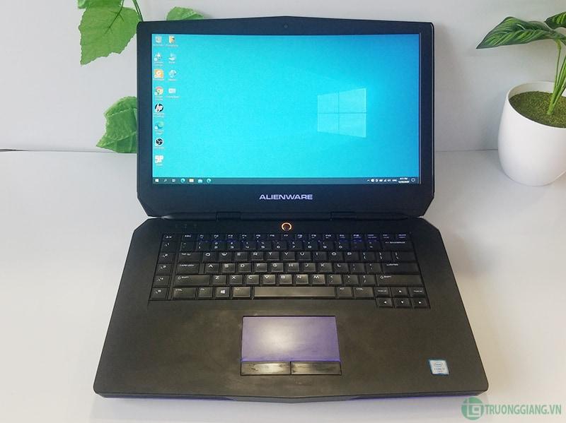 Màn hình Dell Alienware 15 R2