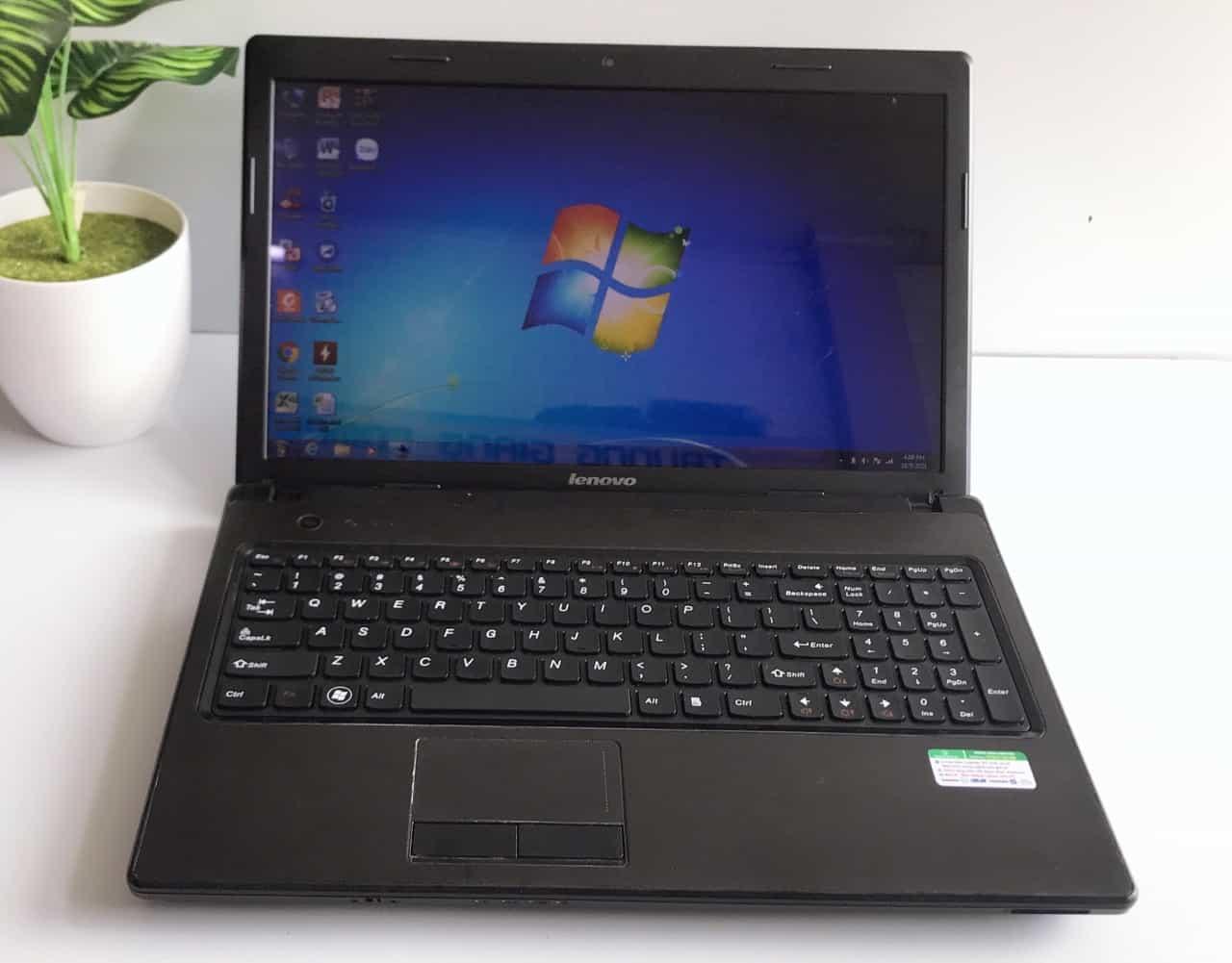 Laptop Lenovo G570 - Intel Core i3-2350M